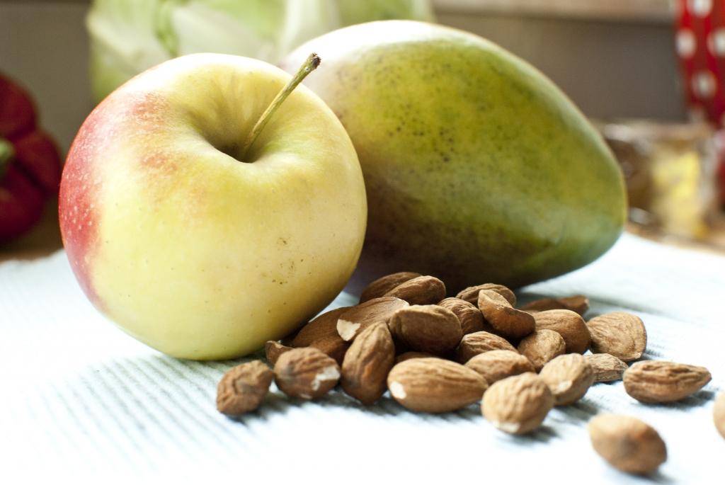 Apfel-Mango-Mandel Smoothie